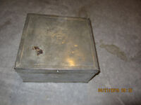 MEDAL 9X9 BOX WITH LID