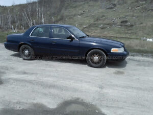 2010 Ford Crown Victoria Sedan $2600.00