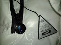 Manteau Moncler authentiques, Full Zip, Flambant neuf!