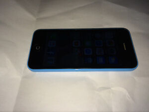 iPhone 5c 8g mint condition London Ontario image 2