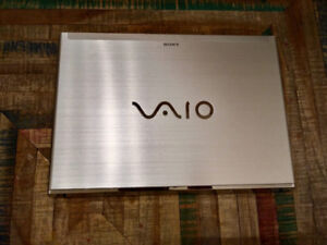 Sony Vaio - Intel® Core™ i5 - (HDD 500 GB + SSD for cache 24 GB)