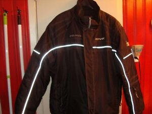 XL Zero Zone Snowmobile Suit (jacket and pants)