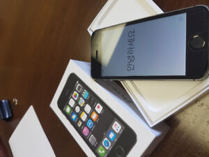 iPhone 5s 16gb with Otterbox