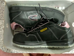 Cofra Ladies Safety Shoes - BRAND NEW!!