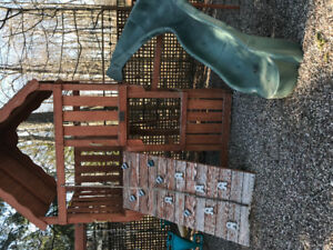 Play yard pick up free please come and disassemble and take