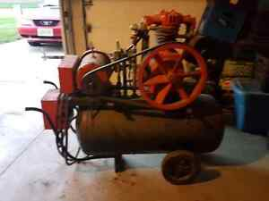 Air compresser  30 gallons  oil, 220v London Ontario image 2
