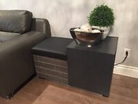 Modern bench with storage banc moderne banquette