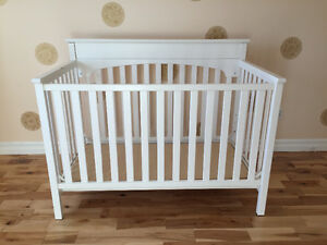 3-in-1 White Convertible Crib