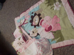 Girl crib bedding set