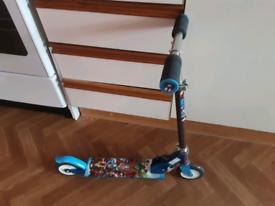 Child's Marvel 2 wheel scooter.