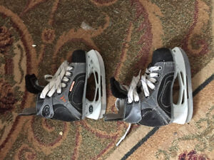 Kids size 9 Easton skates