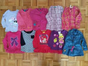 Lot de vêtements, souliers, bottes (24 mois / 2T)