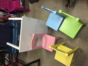 Kids' Table and 4 Chairs