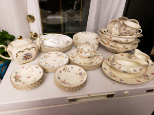 Gorgeous Fine China set from England