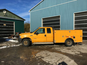 2003 Ford F-350 Stranded Pickup Truck
