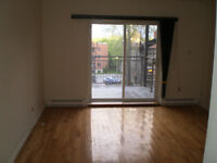 5 1/2 CONDO IN DOWNTOWN FOR RENT / A LOUER