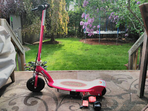 Razor Electric Scooter - E100 - Pink