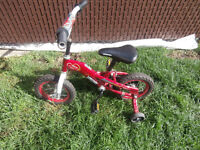 1 small bike for a child 2-5 years old $25 450-628-4656 514-803-