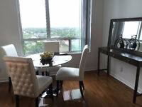 Beautiful two  bedroom AMAZING view with parking ( subway)