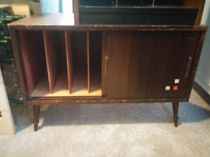 Record Storage and Turntable Stand