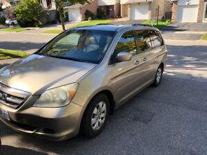 Very clean Honda Odyssey 8 passenger Low KM only 180k