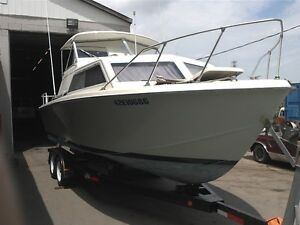 26 ft chris craft  cruiser hardtop ,