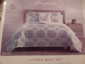 Queen size quilt set