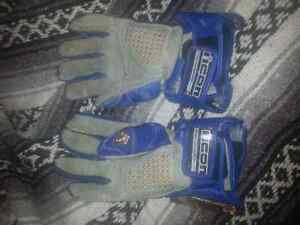 iicon bling gloves 24k gold plated Strathcona County Edmonton Area image 2