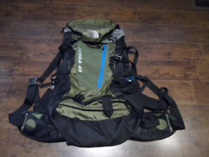 THE NORTH FACE TERRA 45 Backpack / Hiking Bag