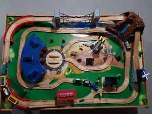 Wooden table train set