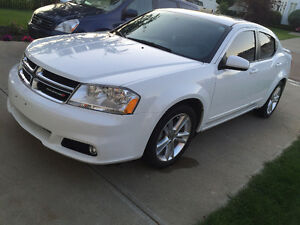 2013 Dodge Avenger SXT PLUS Sedan