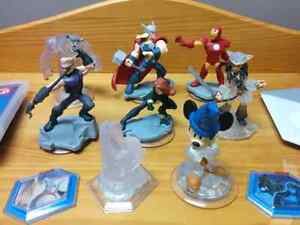Disney Infinity 2.0 Game and 8 Figures PS3