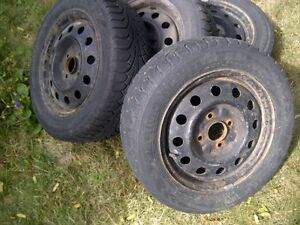 "Hyundai 4x 15"" winter tires and rims London Ontario image 1"