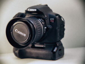 Canon T5i with battery grip + 2 batteries [NO NEGOTIATIONS]