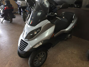 2009 Piaggio MP3 250cc / Great Shape!