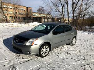 Nissan Sentra 2010 - En bon état. Démarreur à distance. Sherlock