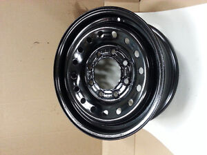 "16"" Dodge 8 bolt steel wheel - great condition"