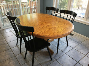 Table and 4 chairs dining set