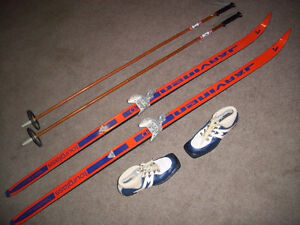 Ladies Cross Country Ski Package with Skis, Poles and Ski Boots
