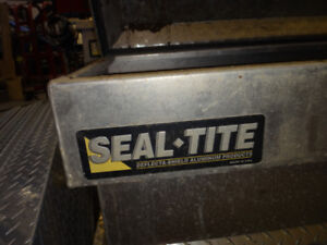 PICK UP TRUCK SIDE TOOL BOX