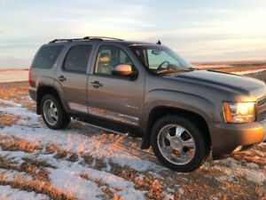 2011 Chevrolet Tahoe Z71 - GREAT CONDITION INSIDE AND OUT!!