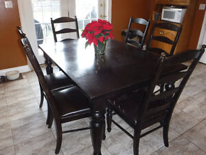Dining Table/6 Chairs/20 Inch leaf Kitchener / Waterloo Kitchener Area image 1