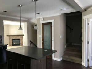 Bright and Beautiful 3 Bedroom Townhome
