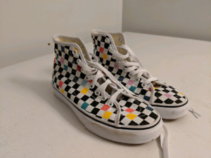 2ae09d5bbb Vans size 8.5 W or 7 M