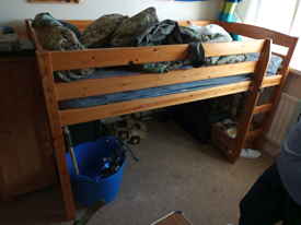 Free single bed mid rise