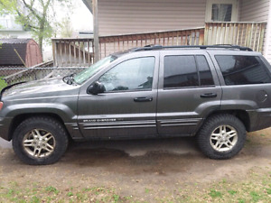 Selling 2004 jeep grand Cherokee (reduced price to sell)