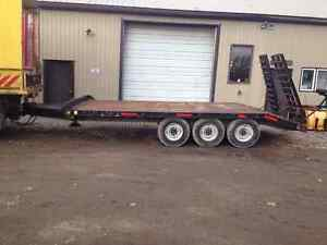 1984 Tri-axle Tag Along Float