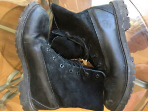 Women's Black Waterproof Timberlands (Fold down boots with fur)