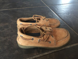 Boys size 9 Sperry boat shoes