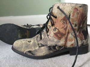 Shelley's London cat print boots size 37 LIKE NEW